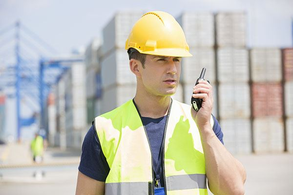 talking-with-walkie-talkie